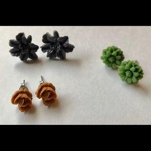 Jewelry - Vintage inspired flower stud earrings